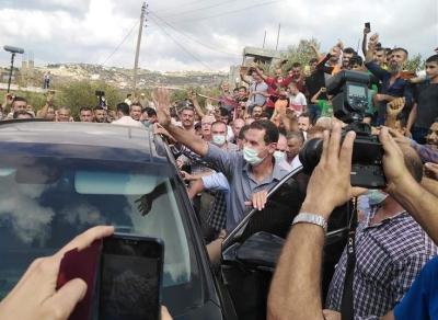 الرئيس الأسد يزور قرى بريف طرطوس