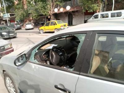 تكسير زجاج نحو 15 سيارة في حي دمر ليلا