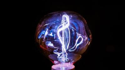 اختراق هام قد يمثل نهاية الكابلات ويفتح عصرا جديدا لنقل الطاقة لمسافات طويلة